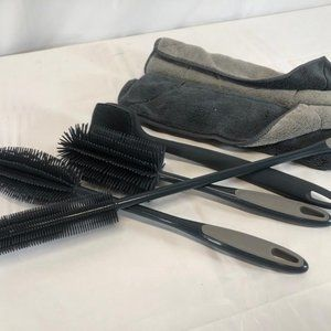 KOCHBLUME 4 Pc Silicone Brush Set with 2 Microfibe